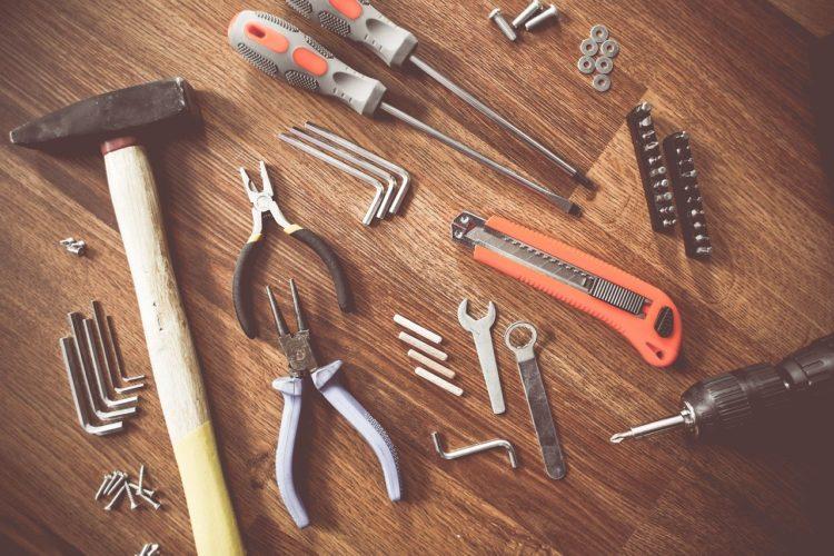 caisse a outils ideale 10 outils que chaque propriétaire et locataire devrait avoir